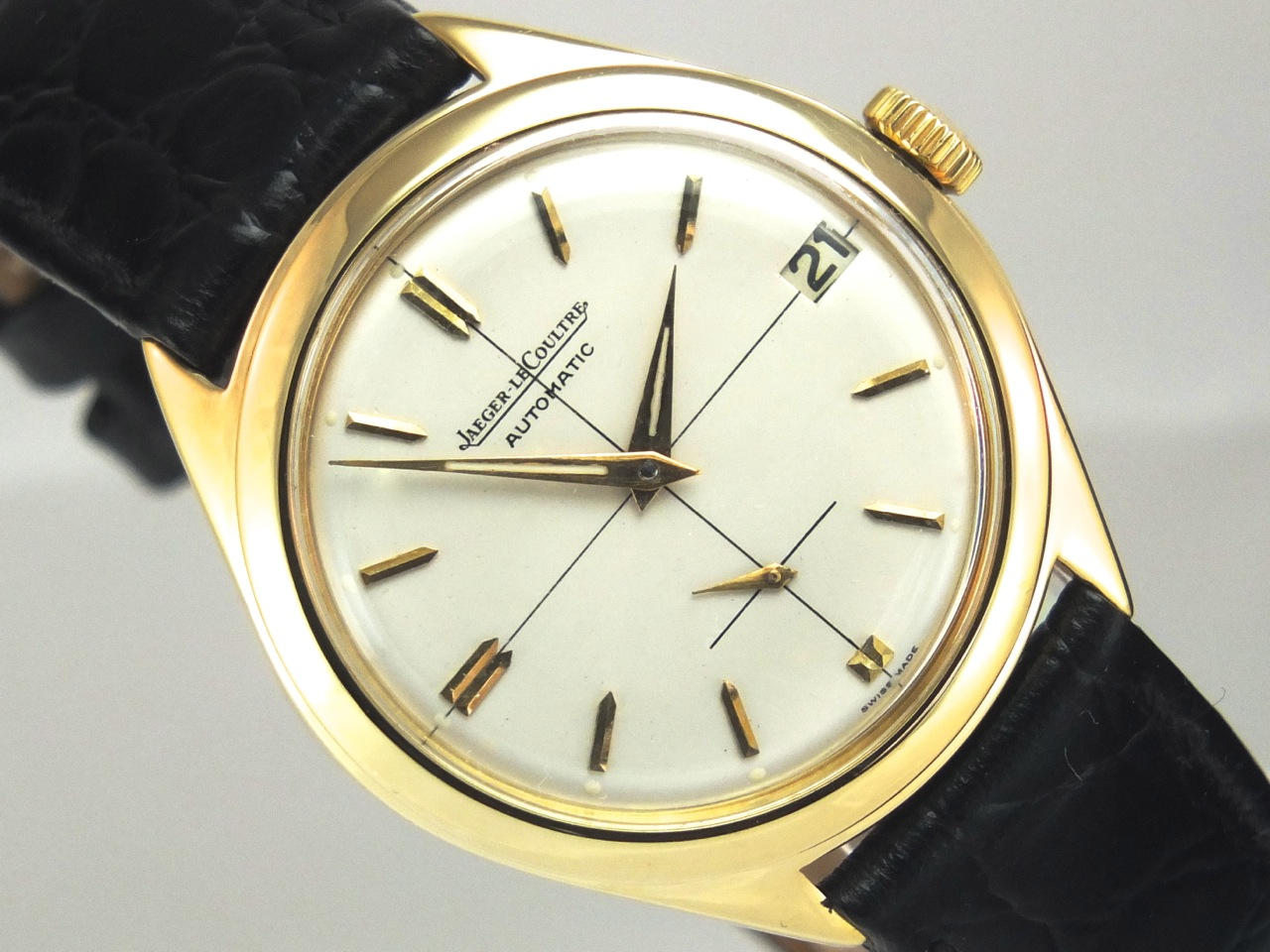 Jaeger lecoultre 18k automatic 1957 vintage gold watches for Vintage gold watch