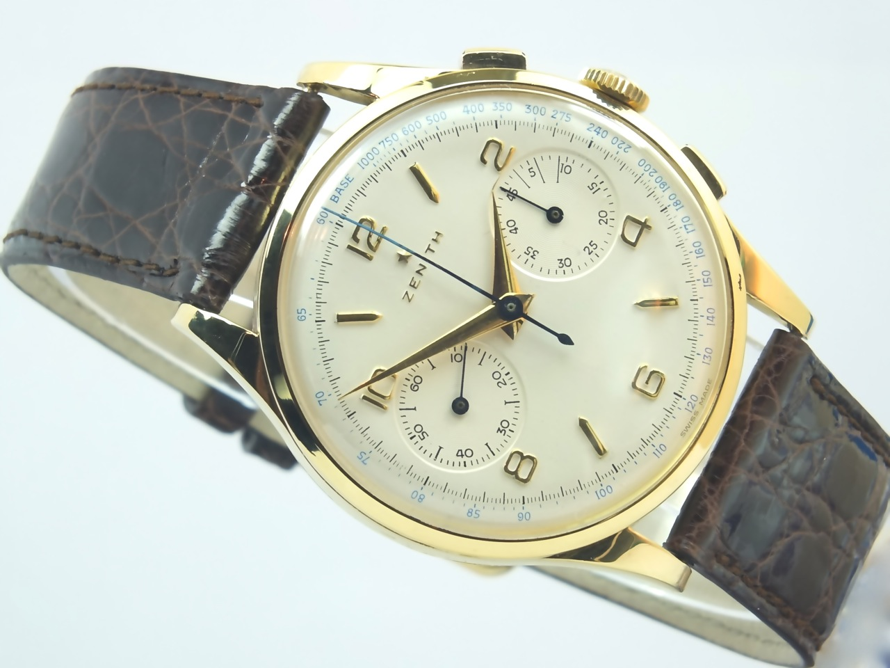 zenith 18k swiss chronograph 1950 vintage gold watches
